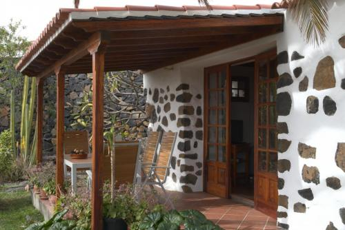 Terrasse mit Kakteengarten