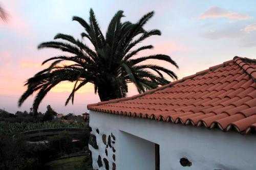 Sonnenuntergang über dem Haus